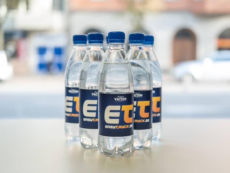 Vattenflaska med egen ettikettdesign för Easytryck